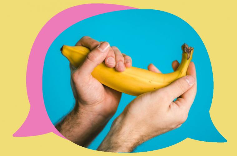 Bild von Banane in zwei weißen Händen